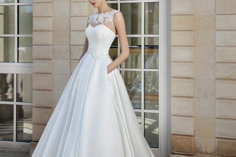 Варианты платьев со шлейфом на свадьбу