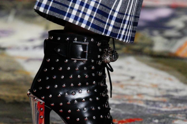 Стильные ботильоны весна 2017 - фото трендовых моделей обуви с показов мод!