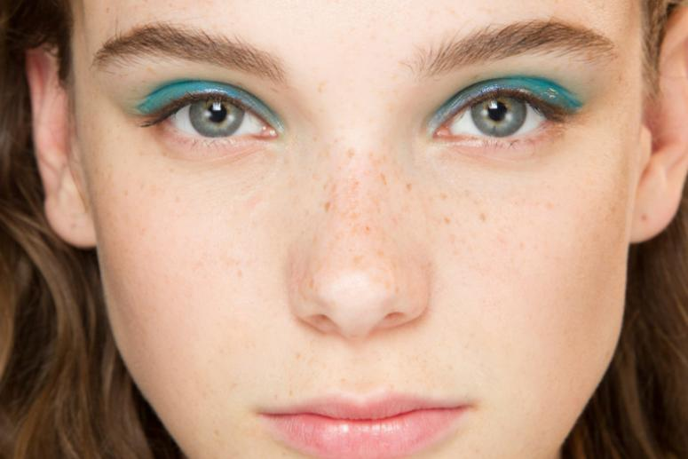 Модный макияж глаз весна-лето 2017 - фото