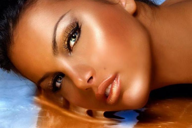 Золотистый макияж для загорелой кожи