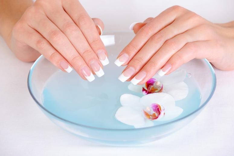 Ванночки для рук и ногтей