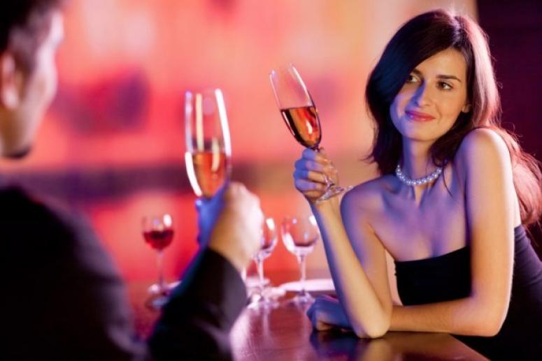 Как женщине первой познакомиться с мужчиной