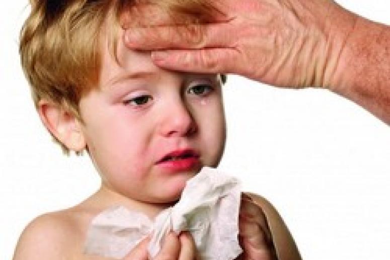 Чем опасен насморк у ребенка