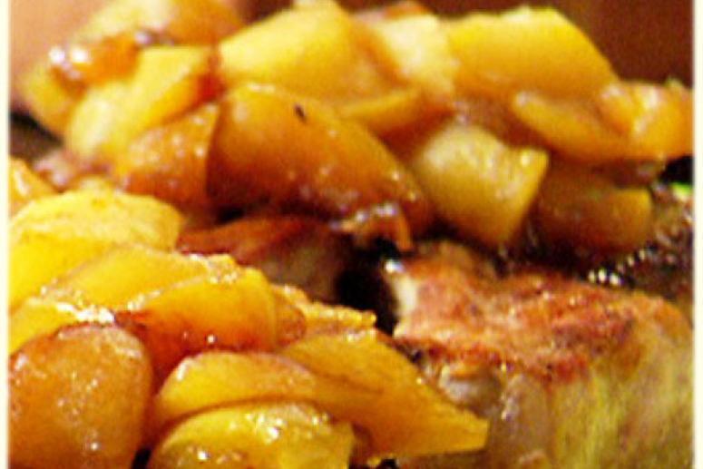 Индейка с яблоками и сельдереем