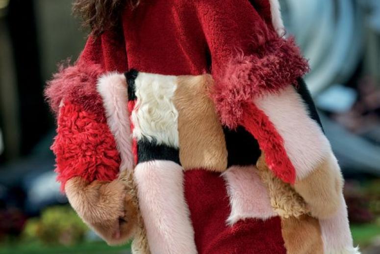 Модные шубы из мутона - фото красивых образов