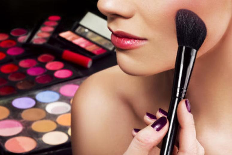 Секреты нанесения макияжа после 30 лет