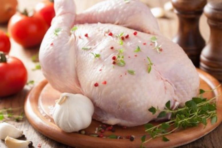Врачи: мыть курицу перед приготовлением опасно