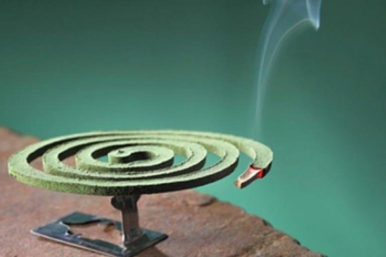 Дым спиралей от комаров насыщен веществами, угрожающими здоровью человека