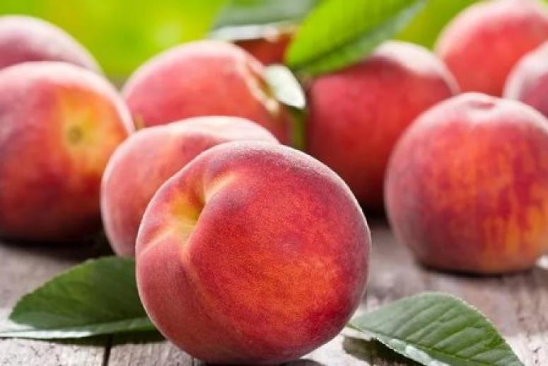 Пять причин есть персики чаще