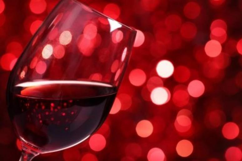 Защититься от гипертонии поможет красное вино
