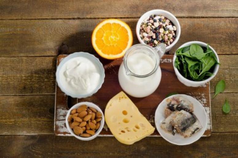 Нут, лосось и ещё 5 продуктов, которые содержат больше кальция, чем стакан молока
