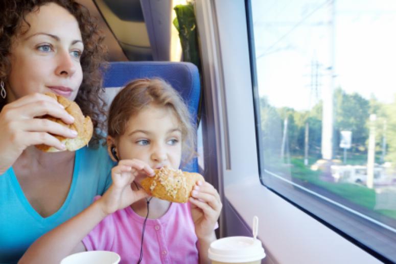 Простые правила питания, которые помогут не потолстеть летом