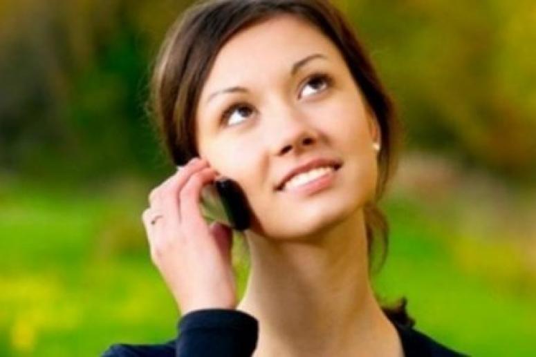 Использование телефона вызывает прыщи и морщины на коже