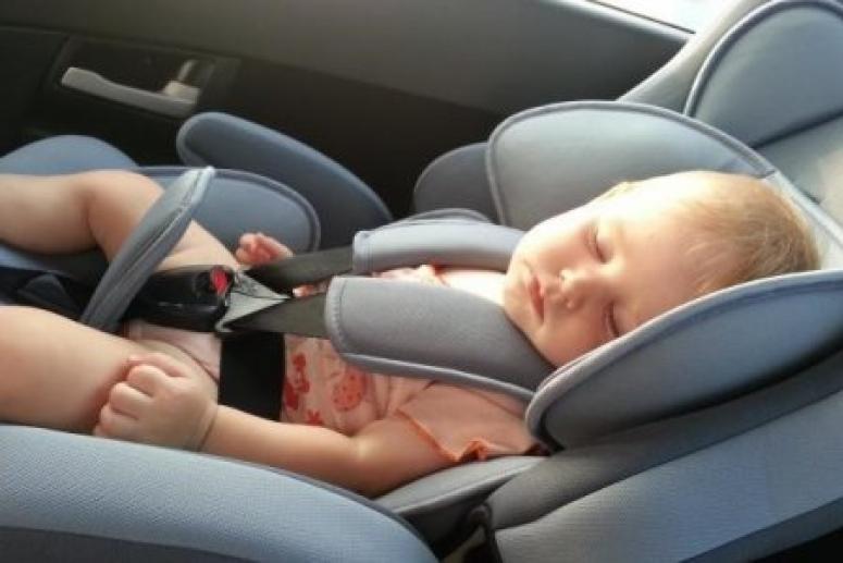 Сон в автокресле может привести к гибели ребёнка