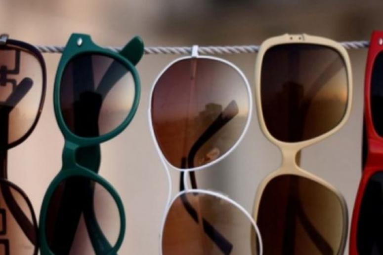 Эксперты: в некачественных солнцезащитных очках легко заполучить ожог сетчатки
