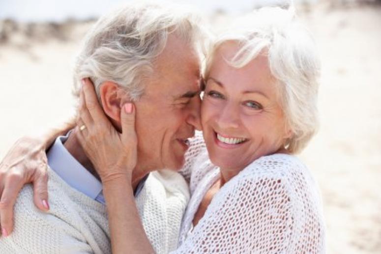 Ученые: секс после 50 лет влияет на работу мозга