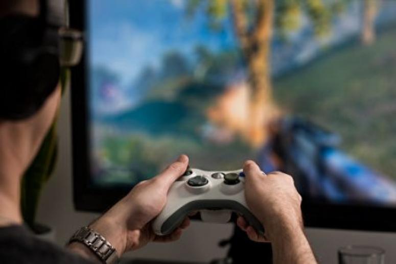 Серьёзное увлечение компьютерными играми избавляет от проблем с алкоголем