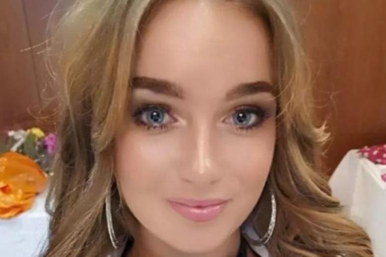 Жительница Великобритании удалила грудь в 24 года из-за страха перед возможным раком