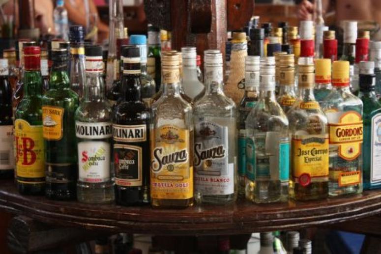 Ученые рассказали, на сколько лет сокращает жизнь алкоголь