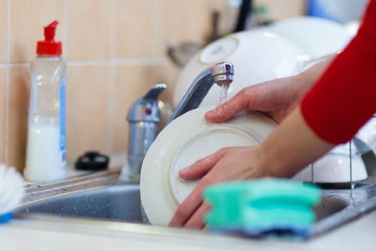 В чем опасность моющего средства и мыла?