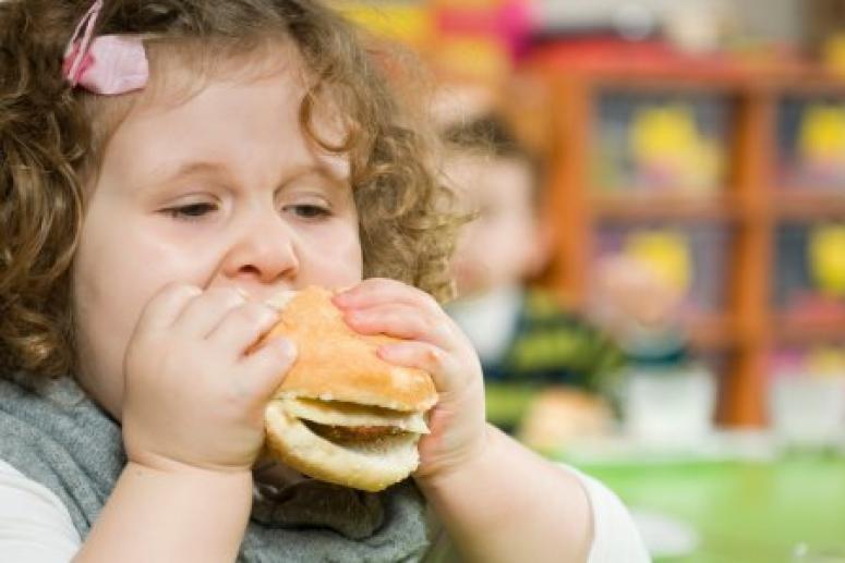 Депрессия из-за лишнего веса чаще бывает у девочек