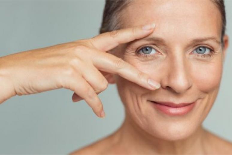 Замедлить старение кожи лица и сохранить молодость поможет массаж