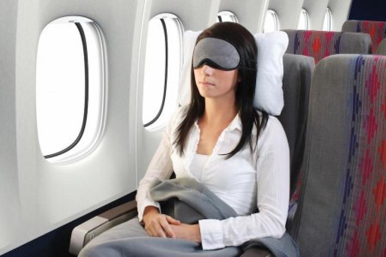 Почему в самолете болят уши?