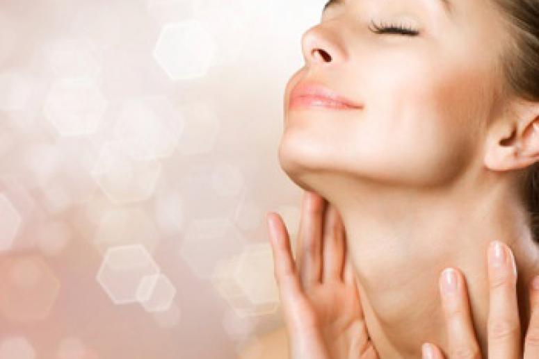 Правильный уход за кожей шеи и областью декольте.