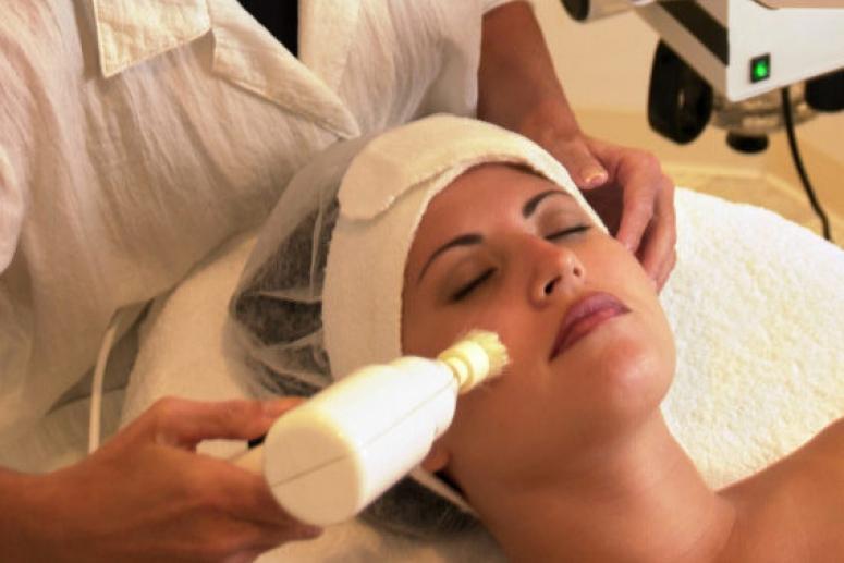 Способы чистки лица в косметологии